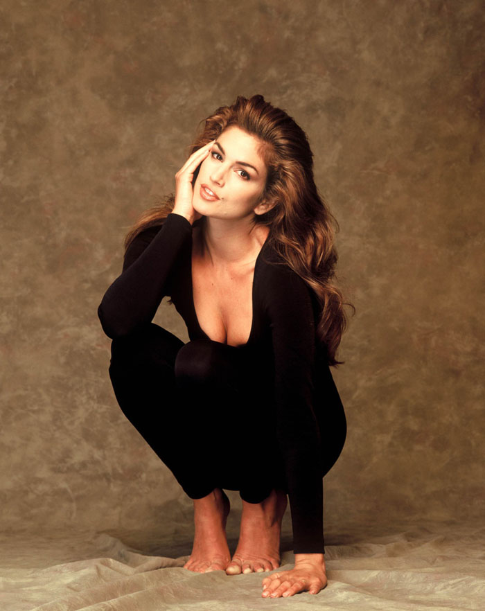 Синди Кроуфорд (Cindy Crawford) в фотосессии Даны Файнмен (Dana Fineman) для журнала Playboy (сентябрь 1995).