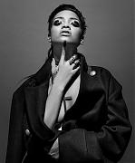 Рианна (Rihanna) в фотосессии Инес ван Ламсвеерде (Inez van Lamsweerde) и Винуда Матадина (Vinoodh Matadin) для журнала 032c (осень-зима 2013-2014)