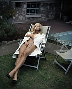 Энико Михалик (Eniko Mihalik) в фотосессии Винсента Петерса (Vincent Peters) для журнала Vogue Spain (сентябрь 2012)