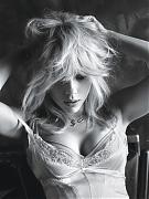 Скарлетт Йоханссон (Scarlett Johansson) в фотосессии Мэрта Аласа (Mert Alas) для журнала W (март 2015)