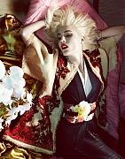 Надя Бендер (Nadja Bender) в фотосессии Камиллы Акранс (Camilla Akrans) для Vogue Japan (апрель 2013)