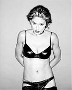 Мадонна (Madonna) в фотосессии Уэйна Мейзера (Wayne Maser) для журнала Esquire (август 1994)