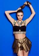 Миранда Керр (Miranda Kerr) в фотосессии Мэтта Джонса (Matt Jones) для журнала Cosmopolitan (ноябрь 2013)