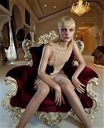 Джессика Стэм(Jessica Stam) в фотосессии Коринн Дей(Corinne Day) для журналаVogue UK (октябрь 2007).