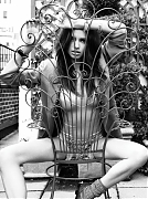 Адриана Лима (Adriana Lima) в фотосессии Дусана Релджина (Dusan Reljin) для журнала ELLE (март 2009)