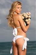 Супермодель Шарлотта МакКинни - горячие фото в бикини