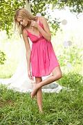 Прекрасная блондинка фотомодель Николь Лодл