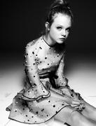 Эль Фэннинг(Elle Fanning) в фотосессии Стивена Пэна(Steven Pan) для журналаInterview (декабрь-январь 2010-2011).
