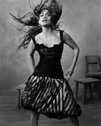 Дженнифер Лопес (Jennifer Lopez) в фотосессии Рувена Афанадора (Ruven Afanador) для журнала InStyle (2004)