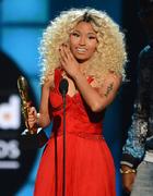 Ники Минаж: на сцене и на красной дорожке «Billboard Music Awards 2013»