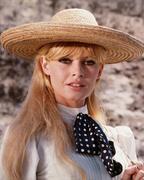 Брижит Бардо(Brigitte Bardot) на съемках фильма Viva Maria! (1965).