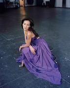 Мэгги Кью (Maggie Q) в фотосессии для журнала Vogue (2005).
