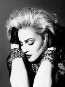 Мадонна(Madonna) в фотосессии Мерта Аласа(Mert Alas) и Маркуса Пигготта(Marcus Piggott) для журнала Interview (май 2010).