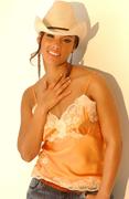 Алиша Кис(Alicia Keys) в фотосессии Энтони Кутаяра(Anthony Cutajar) (сентябрь 2004).