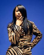 Алия(Aaliyah) в фотосессии Фила Нотта(Phil Knott) для Dolce&Gabbana(1997).
