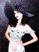 Одри Тоту(Audrey Tautou) в фотосессии Эллен фон Унверт(Ellen von Unwerth) (2002).