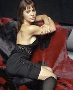 Алисса Милано(Alyssa Milano) в фотосессии для журнала FHM (ноябрь 2002).