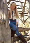 Эшли Тисдейл(Ashley Tisdale) в фотосессии Энтони Кутаяра(Anthony Cutajar) (2006).