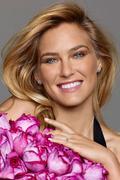 Бар Рафаэли(Bar Refaeli) в рекламе коллекции Rose ювелирного бренда Piaget (2012).