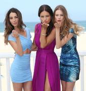 Адриана Лима, Бехати Принслу и Лили Олдридж на пляжной вечеринке