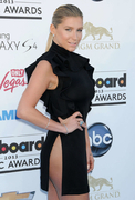 «Billboard Music Awards 2013»: Кеша